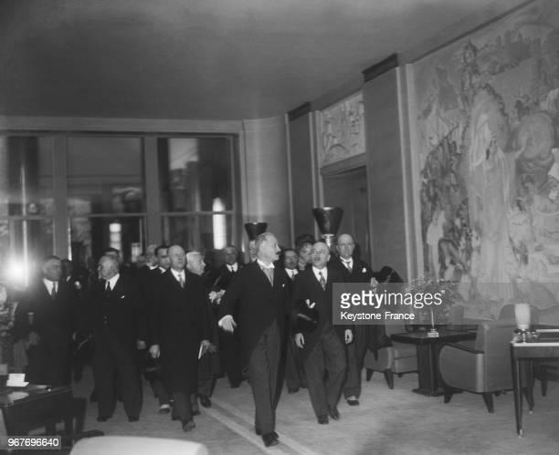 Le Président de la République Albert Lebrun visite les premières classes du paquebot 'Normandie' Le Havre France le 24 mai 1935