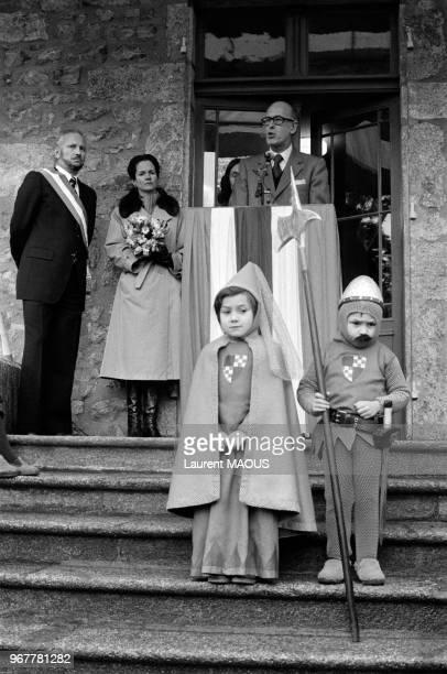 Le président de la République Valéry Giscard d'Estaing et son épouse AnneAymone lors d'un dépacement en Bourgogne le 26 janvier 1978 France