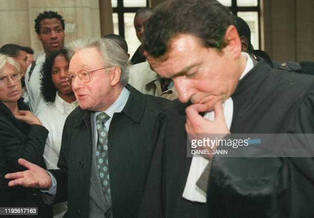 Le président de l'Association pour la recherche sur le cancer Michel Lucas répond aux questions des journalistes, le 19 octobre 1999 à Paris, en...
