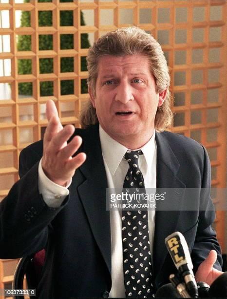 le président de l'équipe de rugby de Brive Patrick Sébastien répond aux questions des journalistes le 23 septembre à BrysurMarne lors d'une...