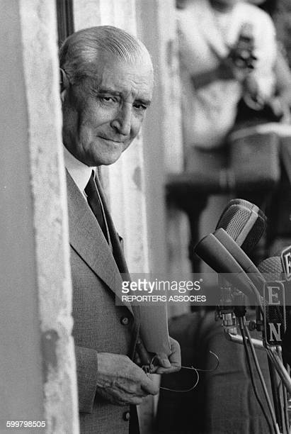Le président du conseil des ministres du portugal et chef de file de l'Estado Novo Antonio de Oliveira Salazar avant de s'exprimer à la tribune circa...