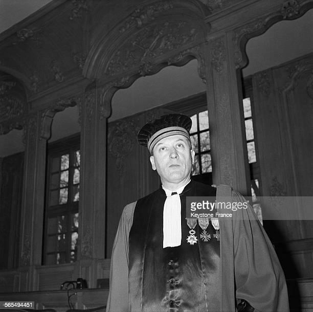 Le Président Louis Facq qui dirige les débats lors du procès de Guy Desnoyers curé d'Uruffe accusé d'avoir assassiné la jeune Régine Fays à Nancy...