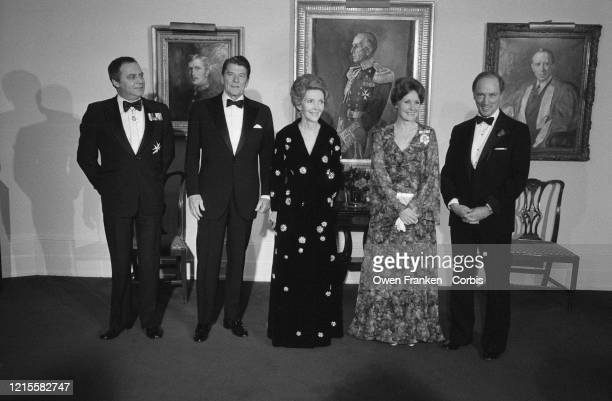 Le Président Ronald Reagan et sa femme Nancy Reagan en visite au Canada accompagnés de Pierre Elliott Trudeau , sa femme Margaret Trudeau et de Marc...