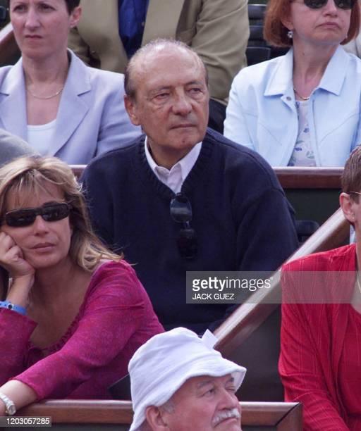 Le publicitaire Jacques Séguéla assiste à la finale masculin du tournoi de tennis de Roland-Garros opposant, le 11 juin 2000 à Paris, le Brésilien...