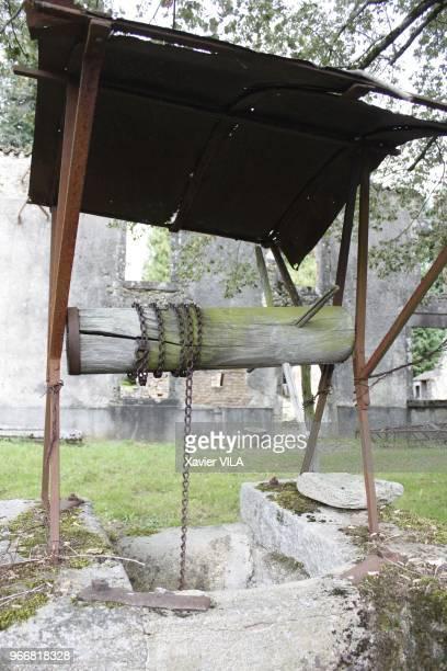 Le puits le 16 septembre 2011 OradoursurGlane HauteVienne Limousin Le nom d'OradoursurGlane reste attache au massacre de sa population par la...