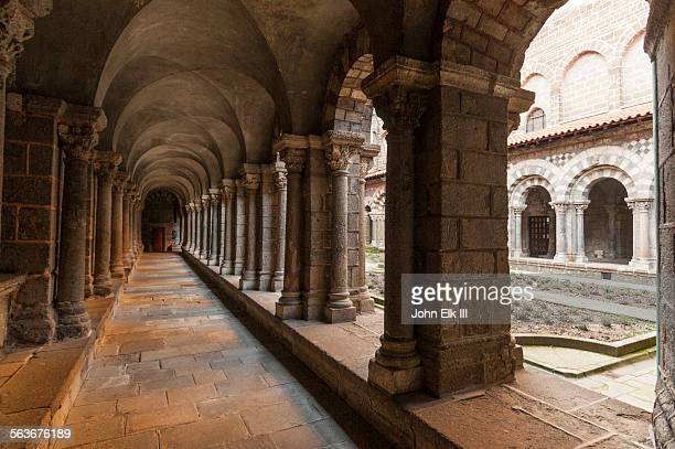 le puy en velay, cathedral notre dame, cloister - le puy stock pictures, royalty-free photos & images
