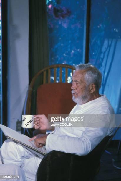 Le réalisateur américain John Huston à Puerto Vallarta le 8 avril 1982 Mexique