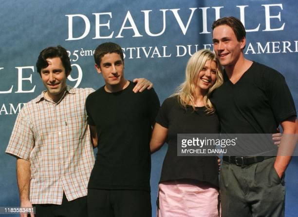 le réalisateur américain Paul Weitz fils de l'écrivain et créateur de mode John Weitz et de l'actrice Susan Kohner et les acteurs américains Chris...