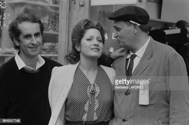 Le réalisateur Edouard Molinaro Andréa Ferréol et Roger Hanin sur le tournage du film 'Au bon beurre' à Paris le 7 octobre 1980 France