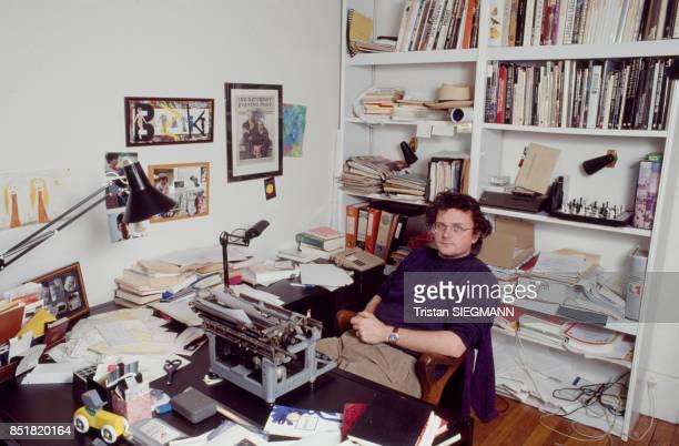 Le réalisateur et écrivain Gérard Mordillat en décembre 1992 France