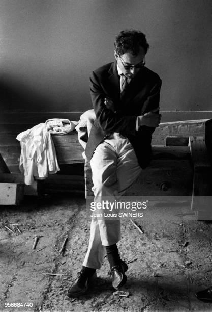 Le réalisateur français JeanLuc Godard pendant le tournage du film Le Mépris en 1963 en Italie