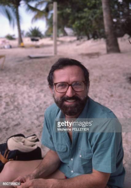 Le réalisateur français Michel Drach en Guadeloupe le 13 novembre 1984 France