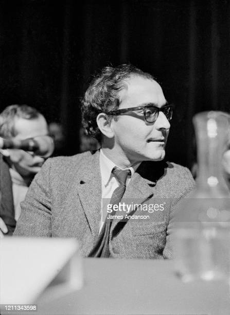 Le réalisateur Jean-Luc Godard au Palais de Chaillot à Paris
