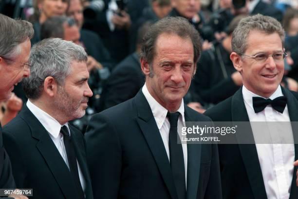 Le réalisateur Stephane Brize l'acteur Vincent Lindon et le producteur Christophe Rossignon lors de la première du film 'La glace et le ciel' et de...