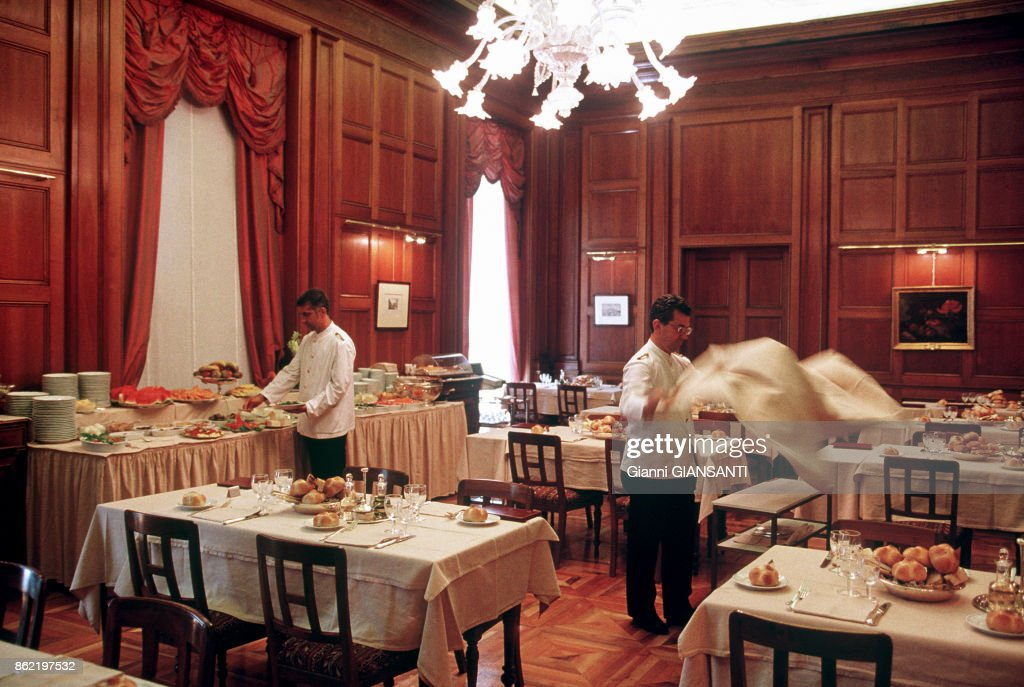 Le Restaurant De La La Chambre Des Deputes A Rome En Juillet 1999