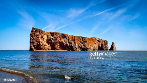 le rocher percé - the percé rock - gaspe peninsula stock pictures, royalty-free photos & images