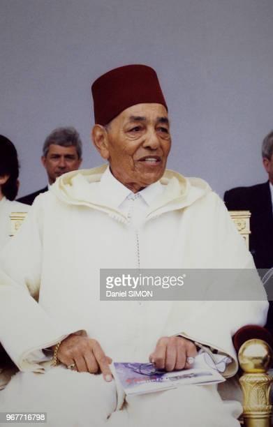 Le roi du Maroc Hassan II invité d'honneur du défilé du 14 juillet 1999 à Paris France
