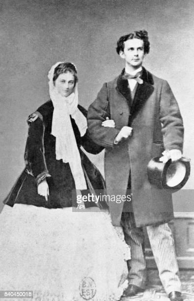 Le roi Louis II de Bavière et sa fiancée Sophie-Charlotte en Bavière.