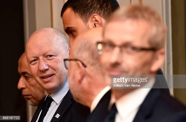 Le Roi Philippe et la Reine Mathilde président une réunion de travail avec des personnes actives dans l'intégration sociale la prévention de la...