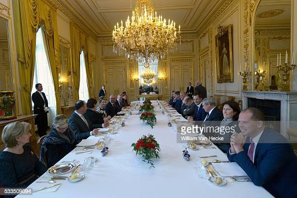 Le Roi Philippe et la Reine Mathilde reçoivent les membres du Gouvernement fédéral Michel Ier à déjeuner au Palais de Bruxelles De Koning en de...