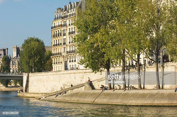 île saint-louis - island in the river seine. - paris island stock photos and pictures