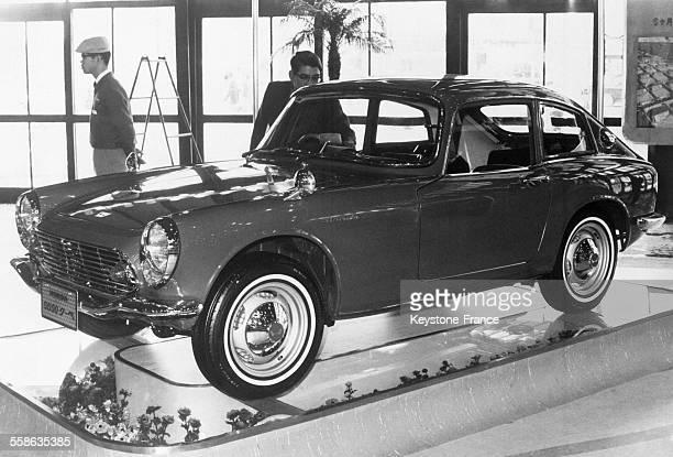 Le salon de l'automobile vient d'ouvrir permettant de se rendre compte de la prodigieuse expansion de l'industrie automobile du pays ici le coupé S...