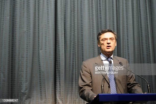 Le secrétaire général de l'UMP et président du conseil général Patrick Devedjian donne une conférence de presse le 16 juin 2008 à Nanterre, après la...