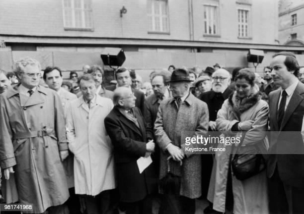 Le secrétaire général du parti socialiste Lionel Jospin Simone Veil et Gérard Schwartzenberg à la cérémonie commémorative du 40ème anniversaire du...