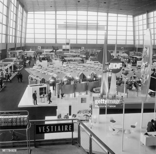 Le stand EdF à la Foire de Paris en France le 16 mai 1967