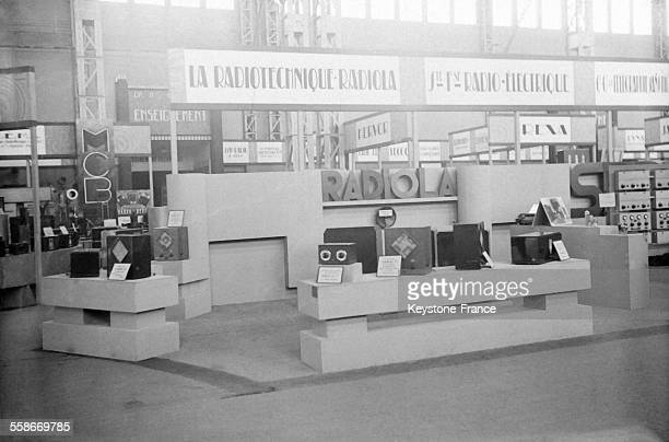 Le stand Radiola à la section Métropolitaine à l'exposition coloniale internationale à Paris France en 1931