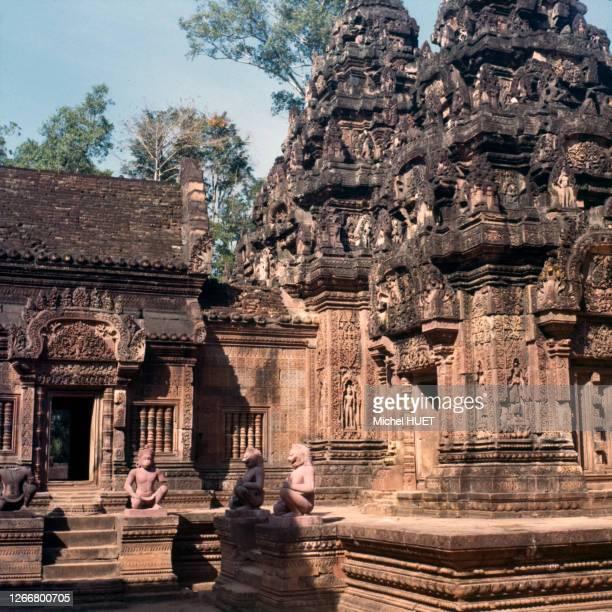 Le temple Banteay Srei sur le site d'Angkor, circa 1970, Cambodge.