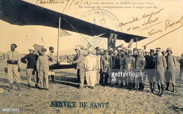 Le timbrage des correspondances avant le départ pour Fez premier Aéroplane au Maroc en 1912 à Rabat Maroc