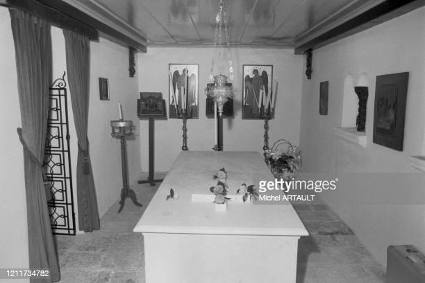 Le tombeau d'Alexandre Onassis fils d'Aristote Onassis sur l'île de Skorpios le 18 mars 1975 Grèce