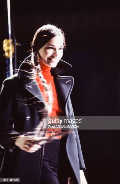 Le top model Laurence Treil lors du défilé Jean Paul Gaultier PrêtàPorter Hiver 19921993 en mars 1992 à Paris France