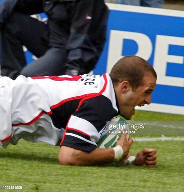 le Toulousain Frédéric Michalak crie sa joie après avoir marquer un essai le 26 avril 2003 au stadium de Toulouse lors de la demie finale de la Coupe...