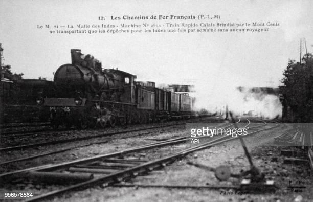 Le train express à vapeur 'Malle des Indes' reliant Londres à Bombay.