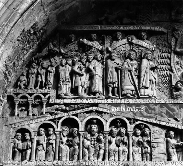 Le tympan du portail de l'abbaye SainteFoy de Conques France