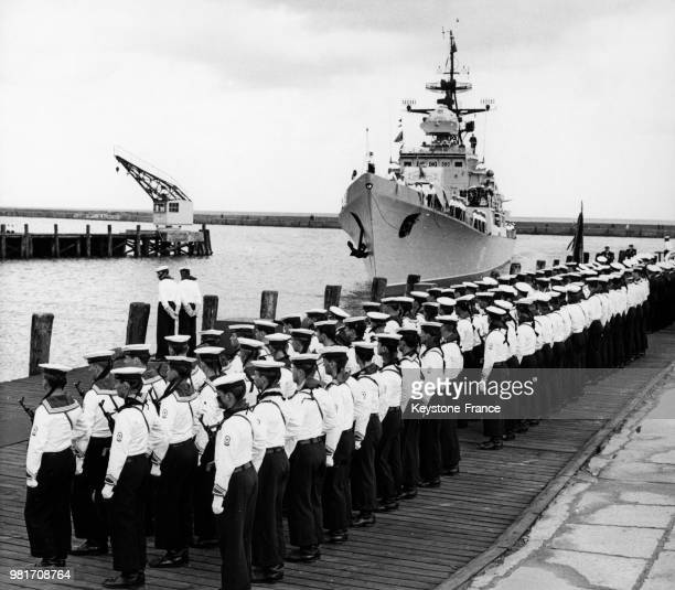 Le vaisseau amiral de la marine populaire de la RDA est baptisé 'Friedrich Engels' le 5 novembre 1970 en Allemagne de l'Est