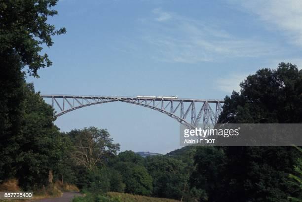 Le Viaduc du Viaur realise par l'ingenieur Paul Bodin en 1902 disciple de Gustave Eiffel en aout 1993 en France