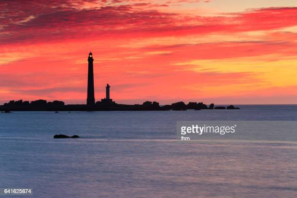 île vierge lighthouse (brittany/ france) - rocky coastline stock pictures, royalty-free photos & images