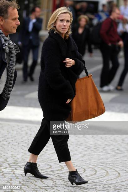 Lea Drucker arrives at ean Rochefort's Funeral At Eglise SaintThomas D'Aquin on October 13 2017 in Paris France
