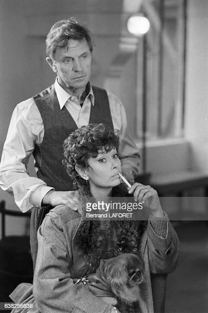 Lea Massari et Heinz Bennent sur le tournage du film 'Sarah' réalisé par Maurice Dugowson à Paris France le 29 novembre 1982