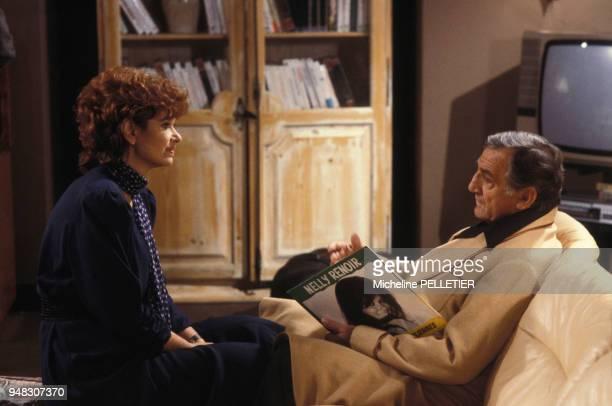 Lea Massari et Lino Ventura pendant le tournage du film 'La 7e cible' réalisé par Claude Pinoteau en août 1984 en France
