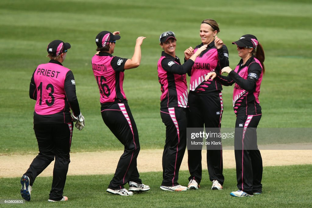 Lea Tahuhu of New Zealand celebrates with teammates after getting the wicket of Ashleigh Gardner of Australia during the Women's Twenty20 International match between the Australia Southern Stars and the New Zealand White Ferns at Adelaide Oval on February 22, 2017 in Adelaide, Australia.