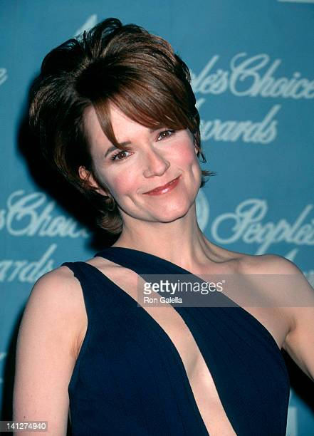 Lea Thompson at the 23rd Annual People's Choice Awards Barker Hanger Santa Monica Airport Santa Monica