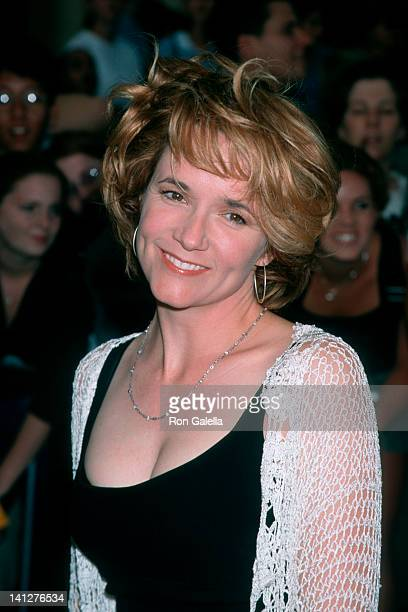 Lea Thompson at the Premeire of 'Saving Private Ryan' Mann Village Theater Westwood