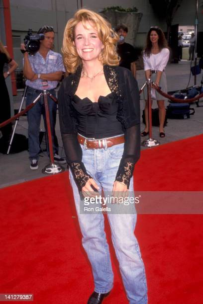 Lea Thompson at the Premiere of 'Dennis the Menace' Mann's Chinese Theatre Hollywood