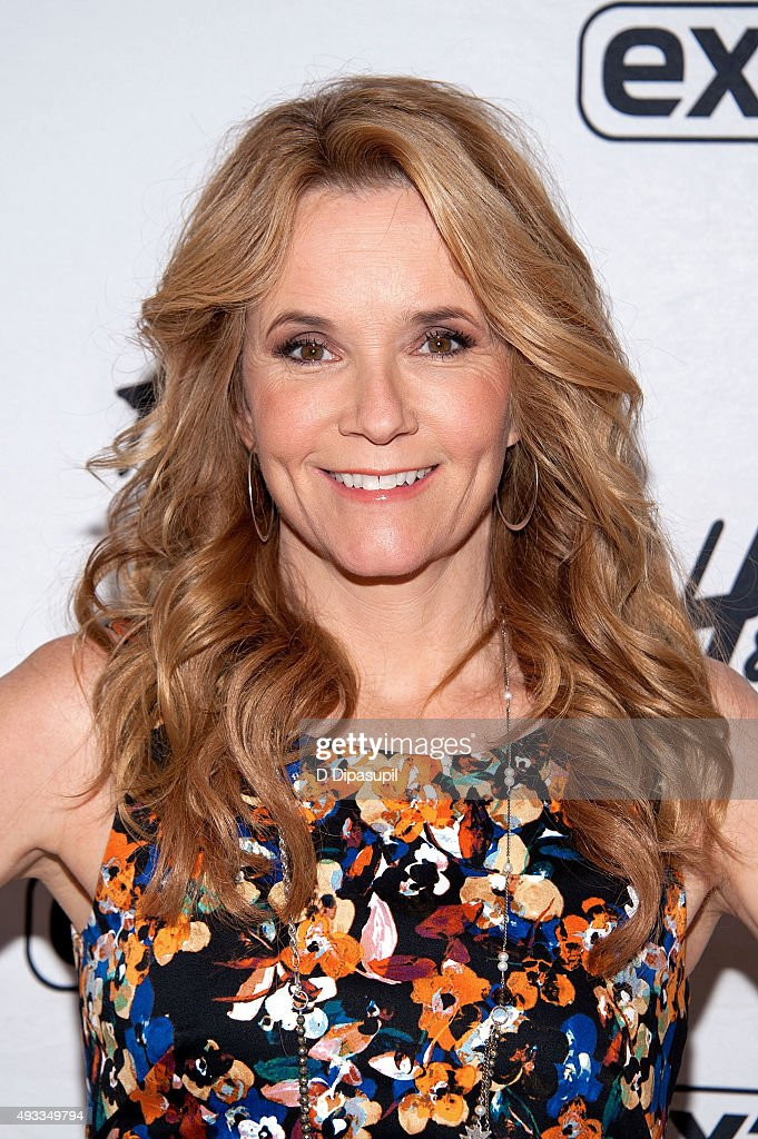 "Lea Thompson Visits ""Extra"""