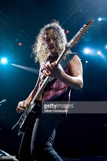 Lead guitarist Kirk Hammett of Metallica performs at the Wachovia Center on January 17, 2009 in Philadelphia.