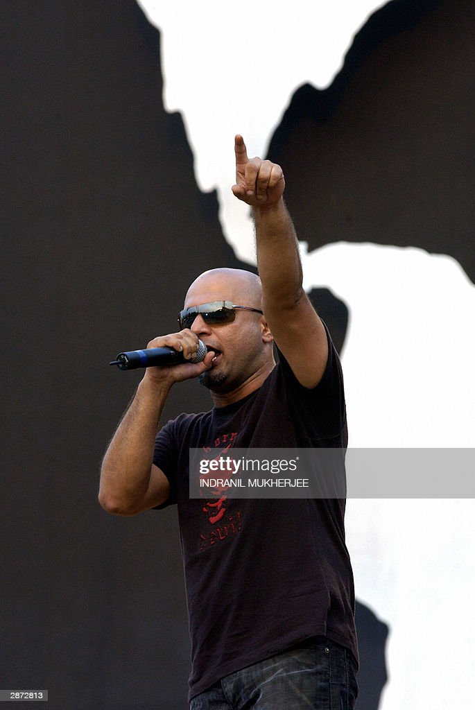 Lead singer Ali Azmat of the Pakistani band Junoon, performs at the
